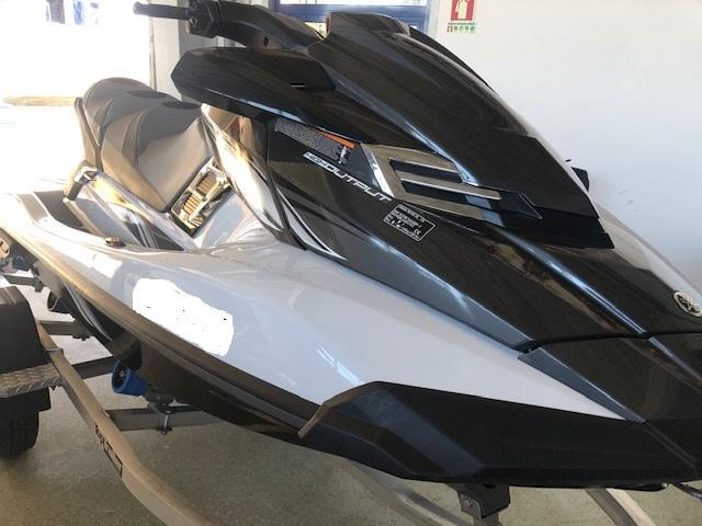 YAMAHA WAVE RUNNER FX CRUISER
